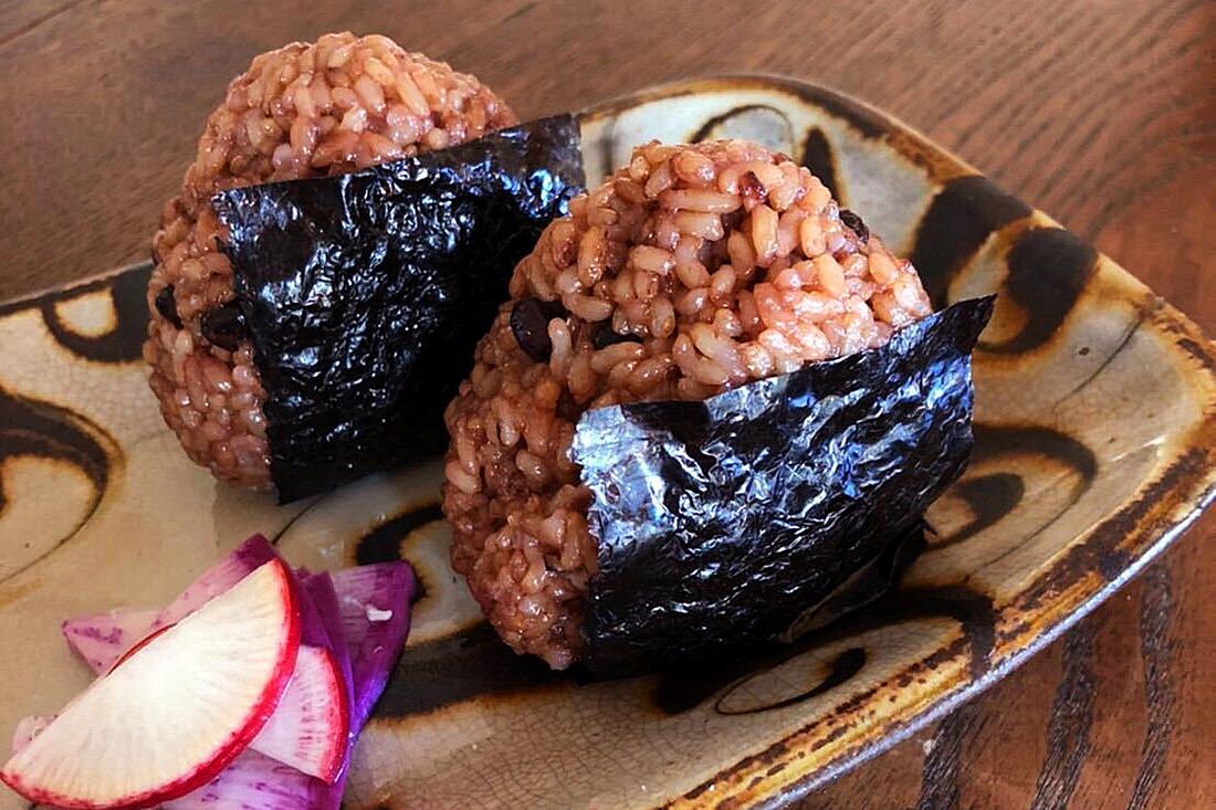 酵素玄米おむすびランチ写真